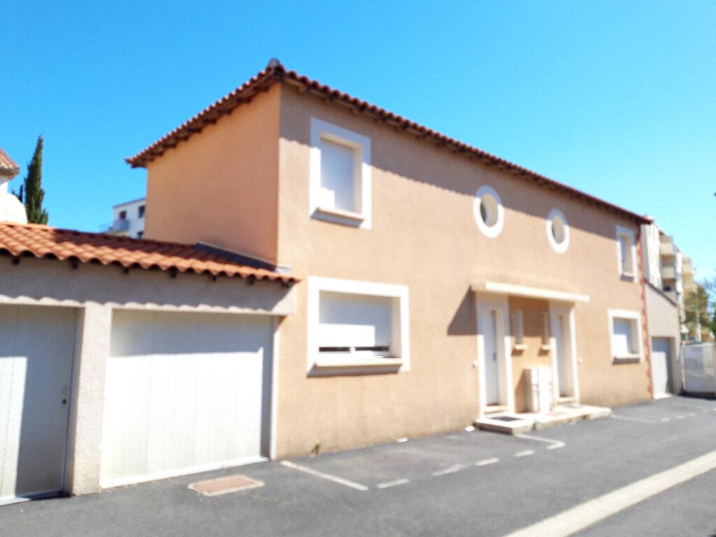 Maison à vendre 3 62m2 à Béziers vignette-2