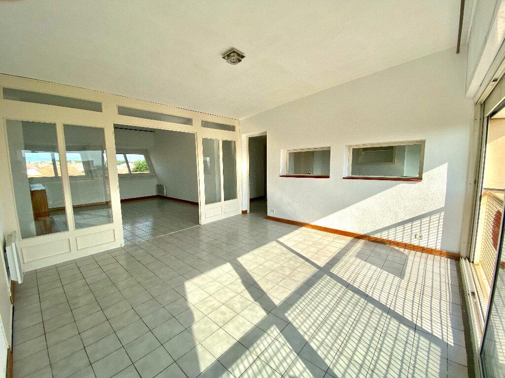 Appartement à vendre 4 90.24m2 à Béziers vignette-1
