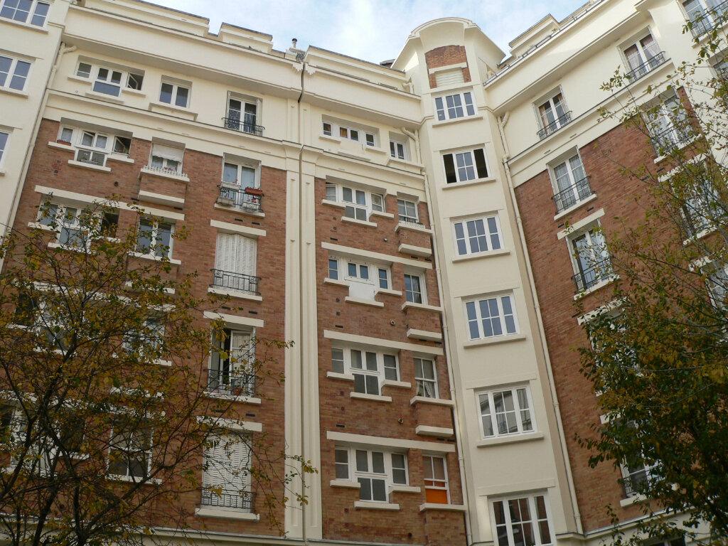Appartement à louer 3 86.89m2 à Courbevoie vignette-2