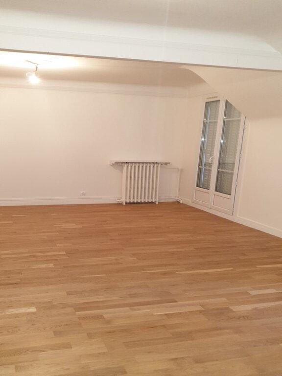 Appartement à louer 3 86.89m2 à Courbevoie vignette-6