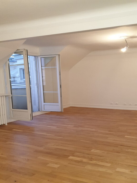 Appartement à louer 3 86.89m2 à Courbevoie vignette-9