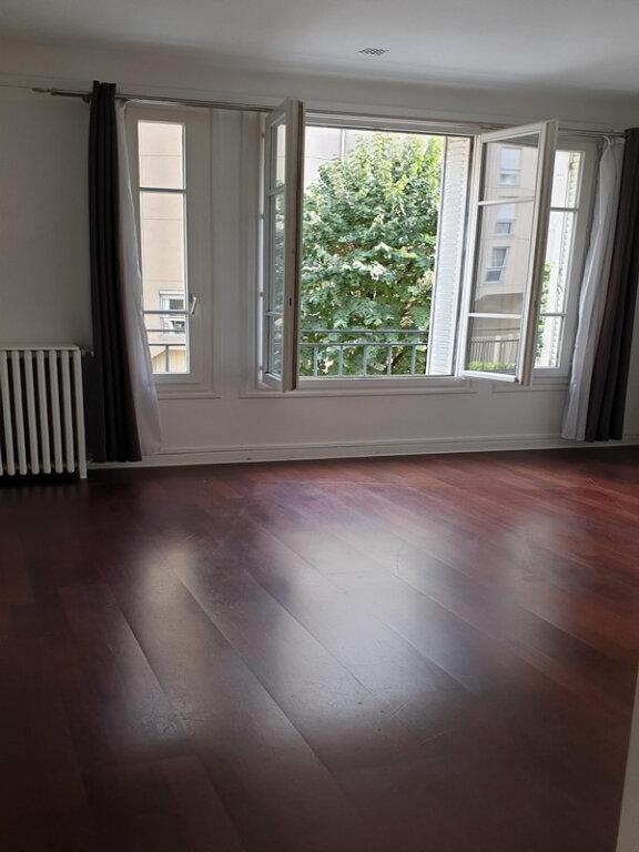Appartement à louer 3 66m2 à Courbevoie vignette-4