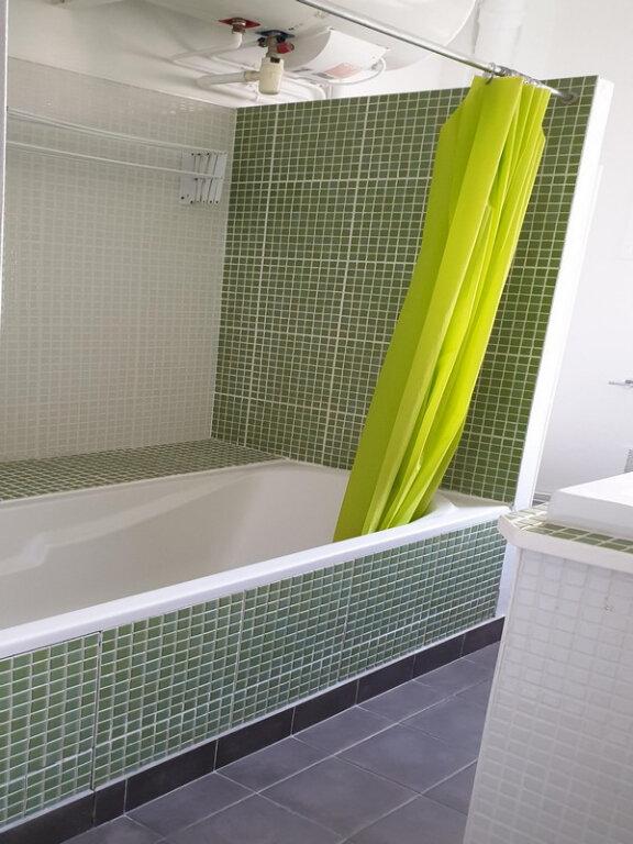 Appartement à louer 3 66m2 à Courbevoie vignette-9