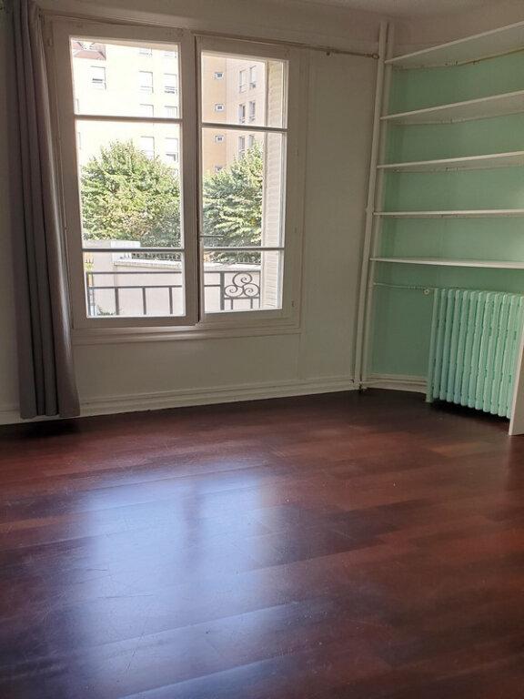 Appartement à louer 3 66m2 à Courbevoie vignette-11