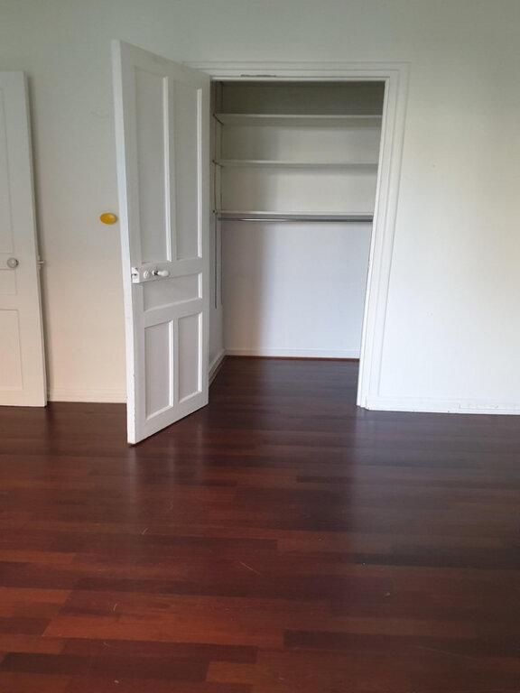 Appartement à louer 3 66m2 à Courbevoie vignette-12