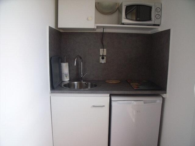 Appartement à louer 1 19.74m2 à Melun vignette-3