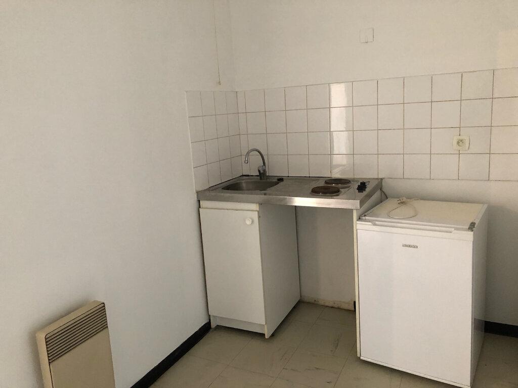 Appartement à louer 2 47m2 à Melun vignette-4