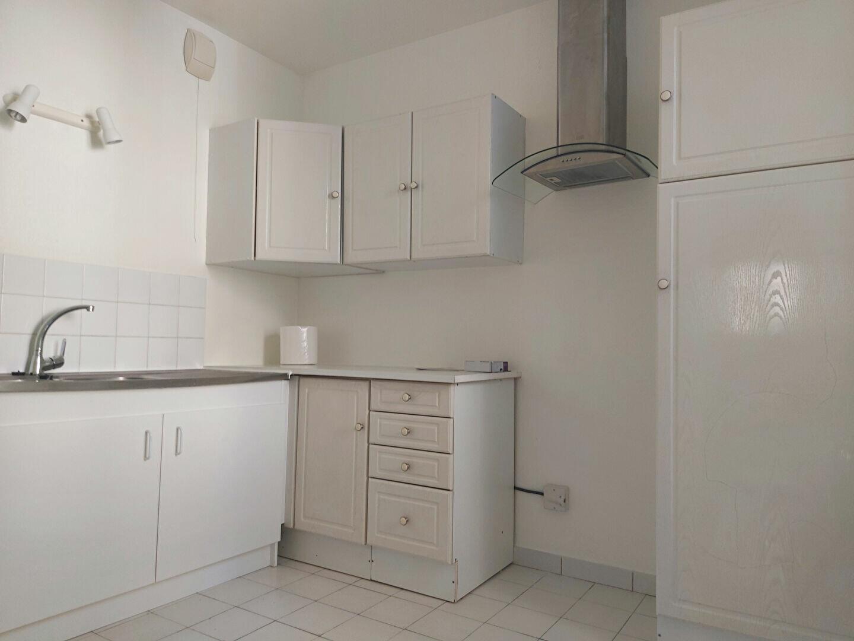 Appartement à louer 2 63.21m2 à Melun vignette-2