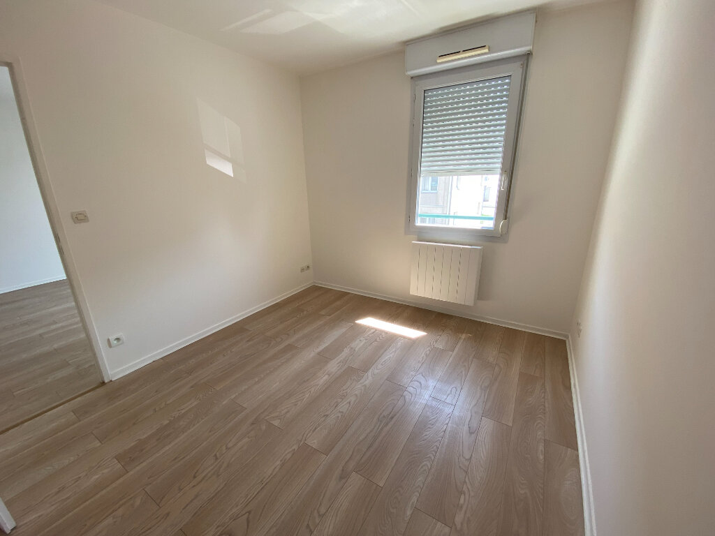 Appartement à louer 2 38m2 à Moissy-Cramayel vignette-4