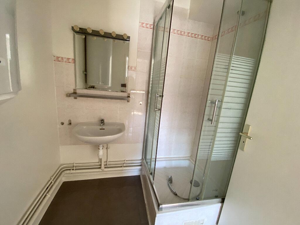 Appartement à louer 2 38m2 à Moissy-Cramayel vignette-5
