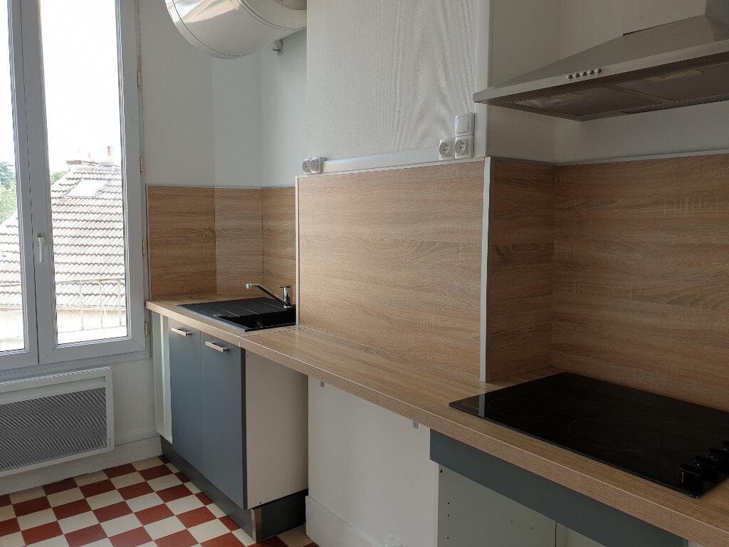 Appartement à louer 2 40m2 à Melun vignette-1