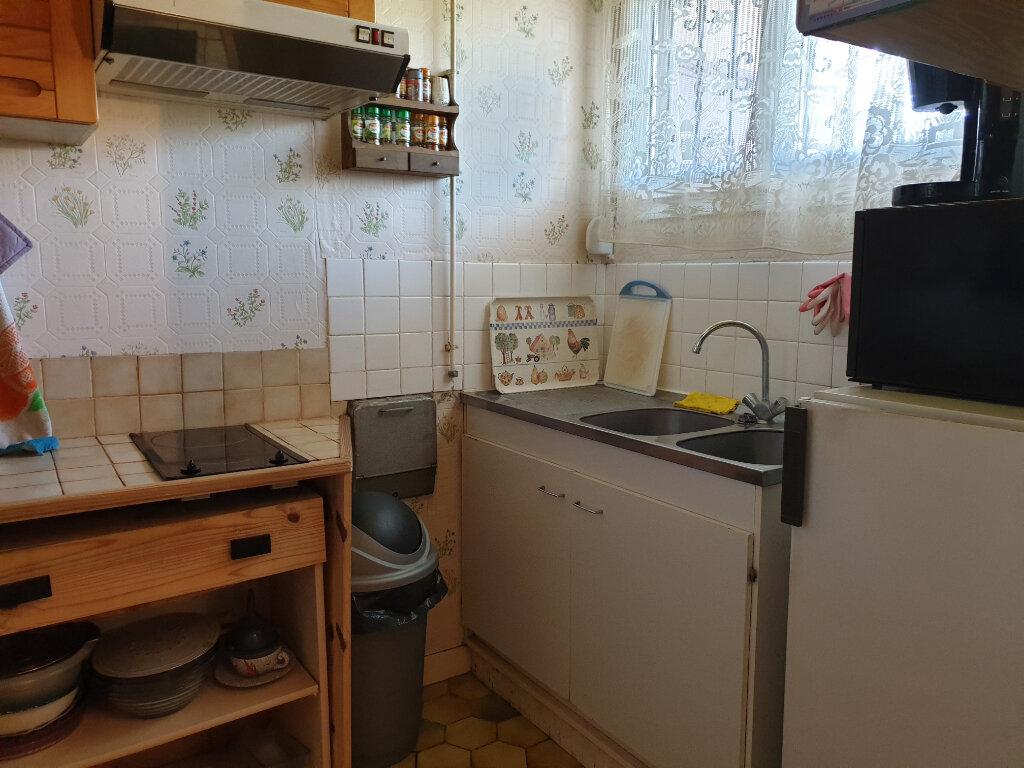 Appartement à louer 4 60.71m2 à Melun vignette-2