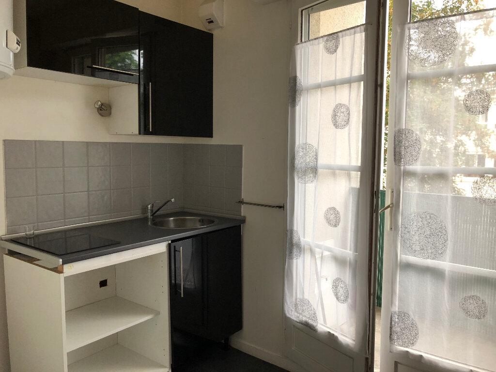Appartement à louer 1 30.61m2 à Melun vignette-3