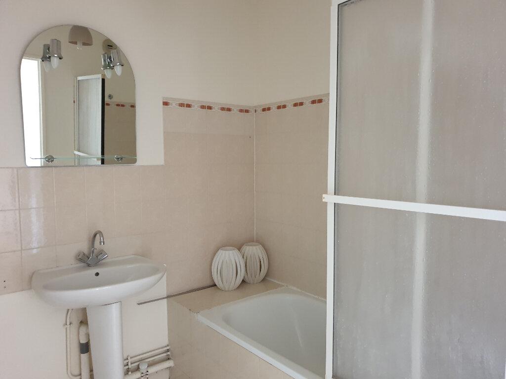 Appartement à louer 2 52.24m2 à Melun vignette-4