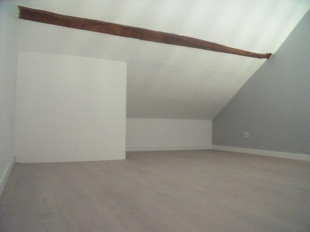 Appartement à louer 2 25m2 à Saint-Fargeau-Ponthierry vignette-4