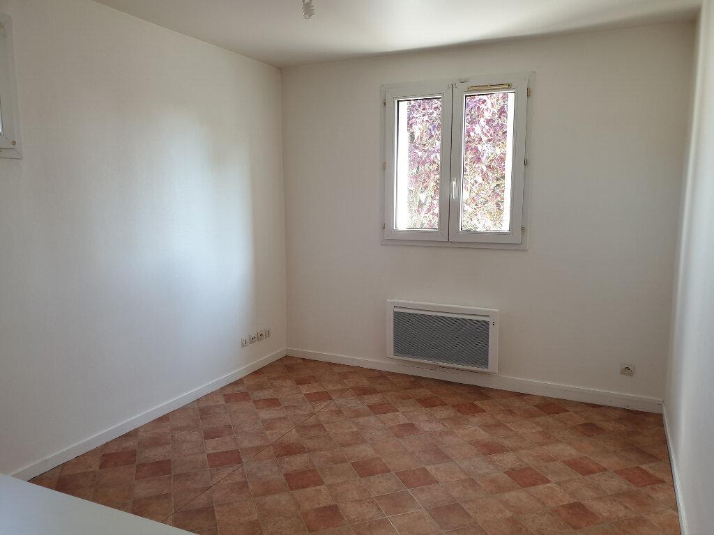 Appartement à louer 1 21.94m2 à Melun vignette-2