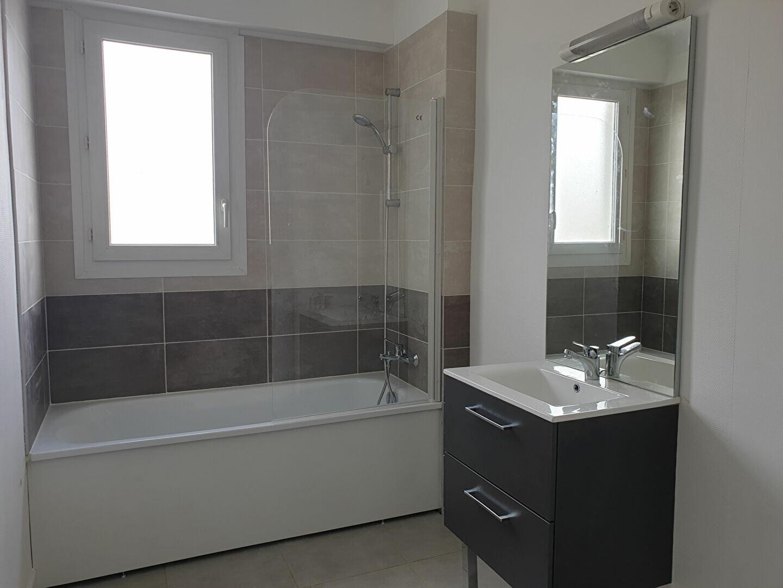 Appartement à louer 3 70m2 à Melun vignette-4