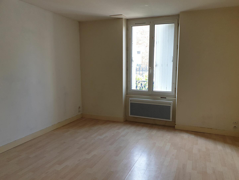 Appartement à louer 1 26.76m2 à Melun vignette-1