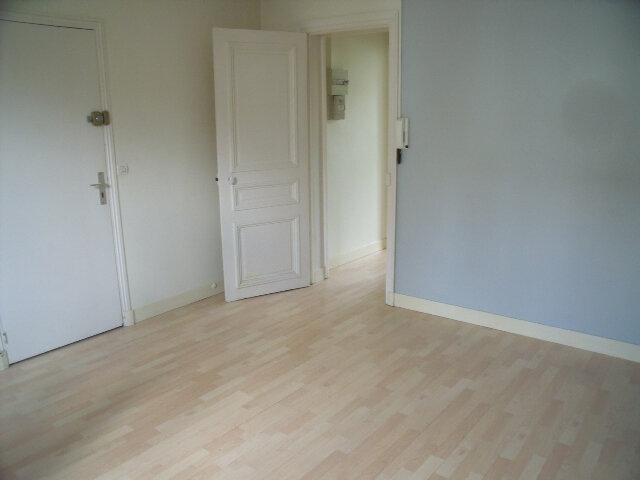 Appartement à louer 1 26.76m2 à Melun vignette-2