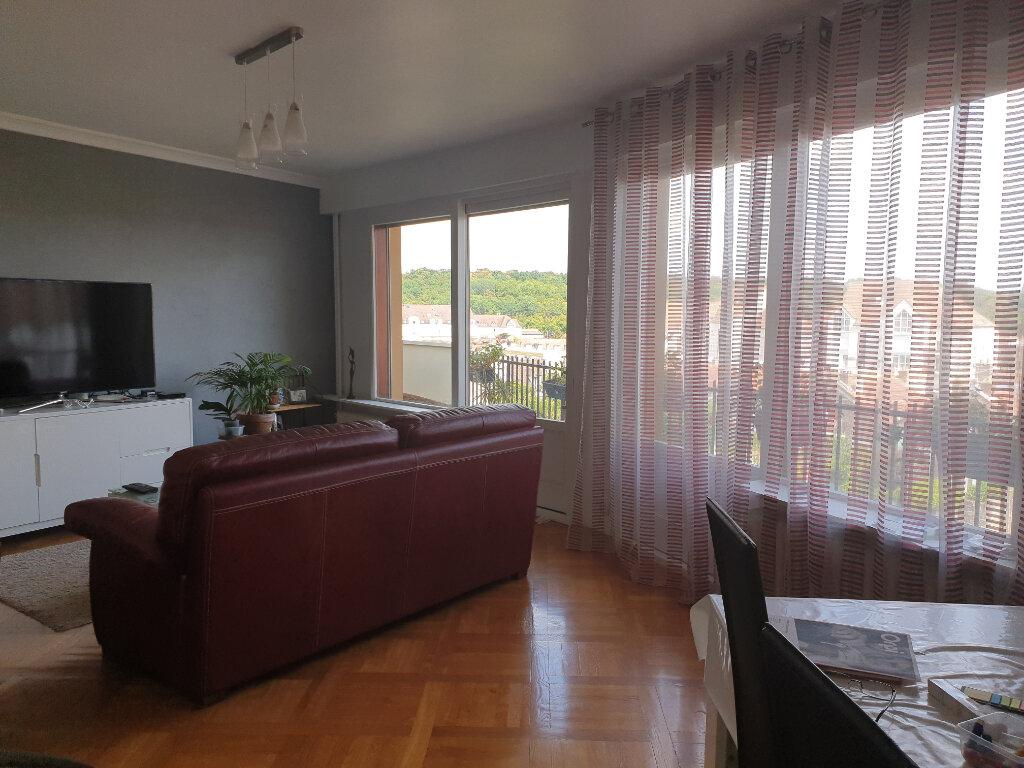 Appartement à louer 3 89m2 à Melun vignette-2