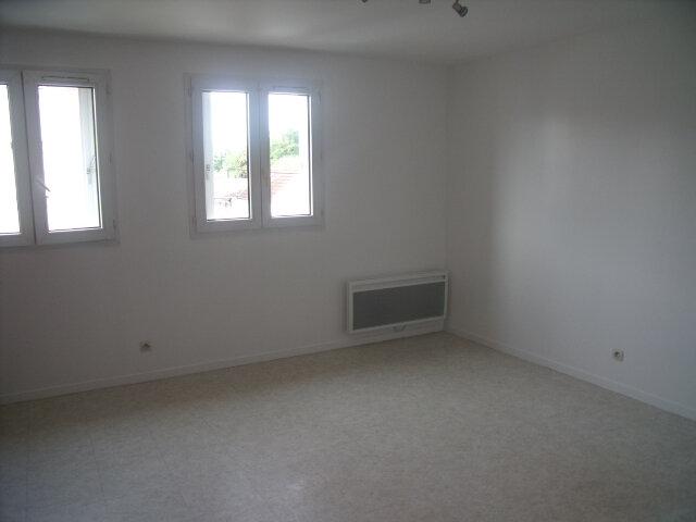 Appartement à louer 2 42.27m2 à Melun vignette-4