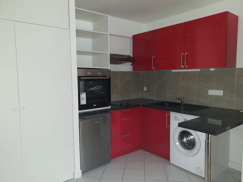 Appartement à louer 2 37.6m2 à Melun vignette-2