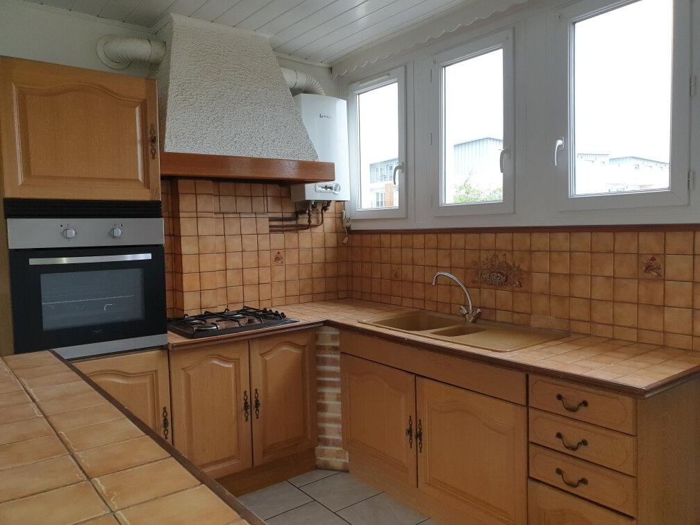Appartement à louer 3 53.8m2 à La Rochette vignette-2