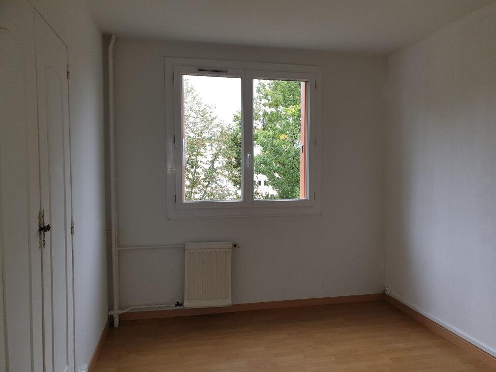Appartement à louer 3 53.8m2 à La Rochette vignette-4