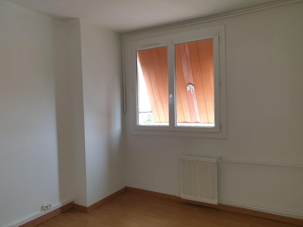 Appartement à louer 3 53.8m2 à La Rochette vignette-5