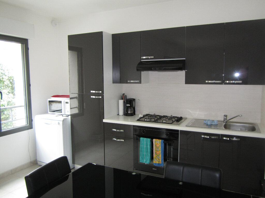Appartement à vendre 3 62.5m2 à Melun vignette-3