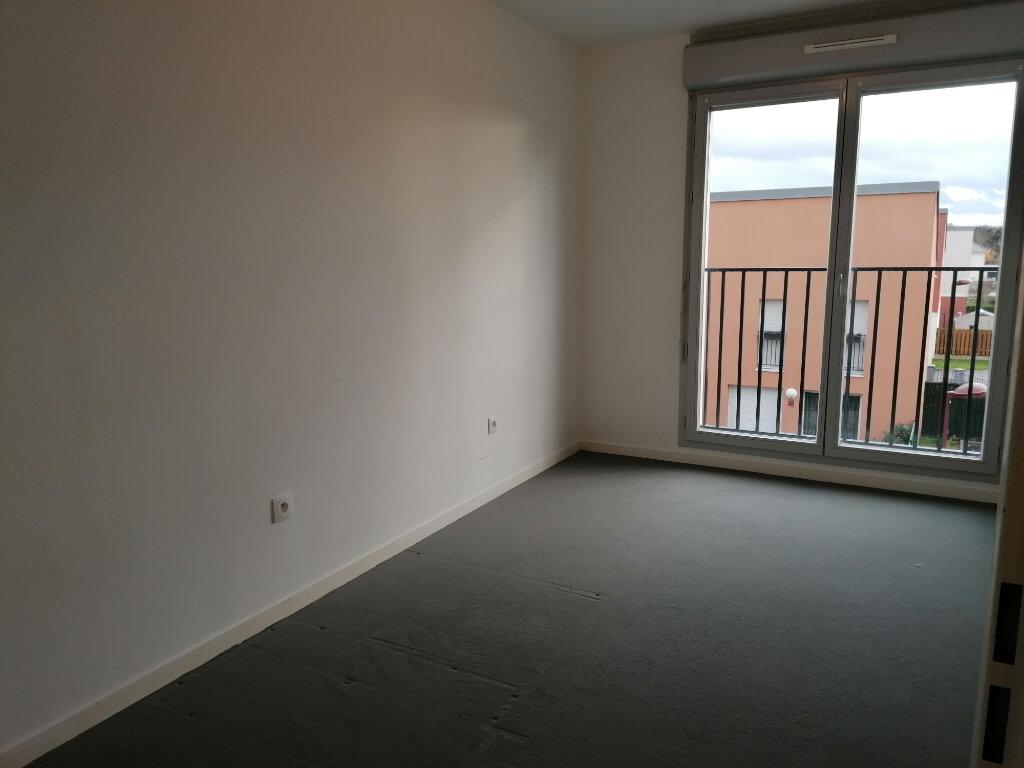 Appartement à louer 3 57.46m2 à Vert-Saint-Denis vignette-2