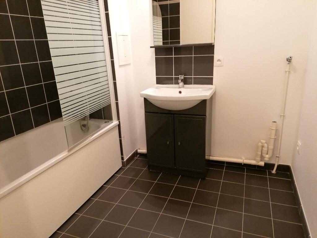 Appartement à louer 3 57.46m2 à Vert-Saint-Denis vignette-3