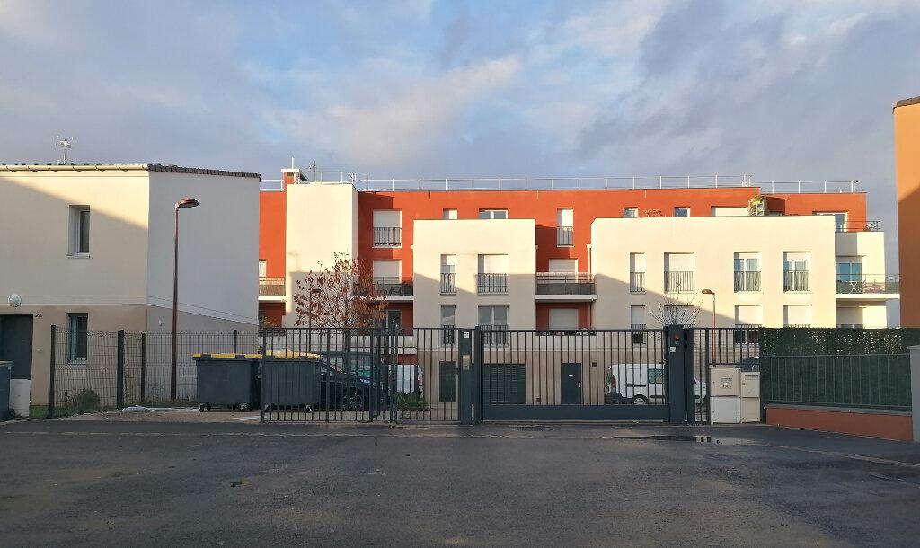 Appartement à louer 3 57.46m2 à Vert-Saint-Denis vignette-4