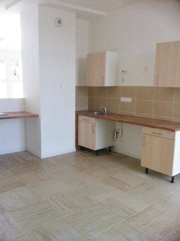 Appartement à louer 3 61m2 à Boissise-la-Bertrand vignette-1