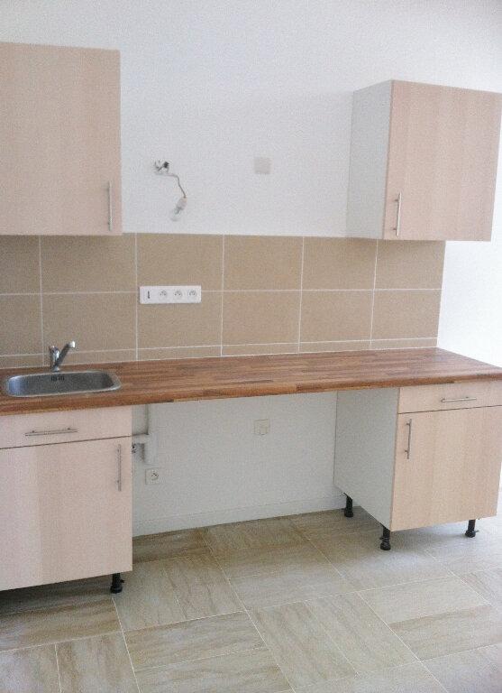 Appartement à louer 3 61m2 à Boissise-la-Bertrand vignette-2