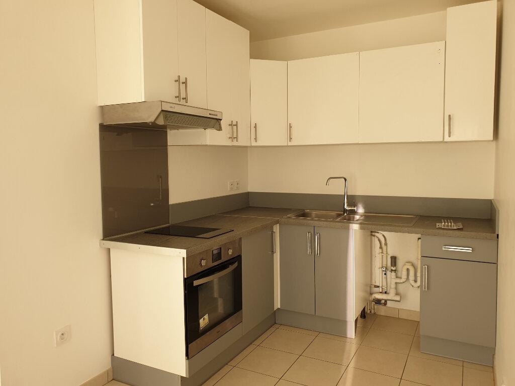 Appartement à louer 3 55.79m2 à La Rochette vignette-4
