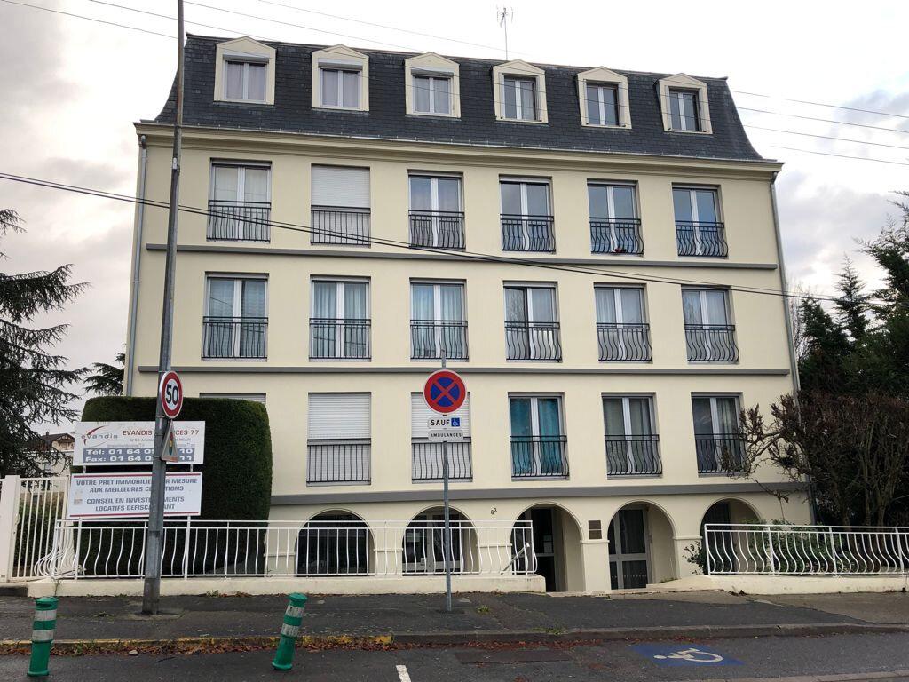 Appartement à louer 2 39.8m2 à Melun vignette-1