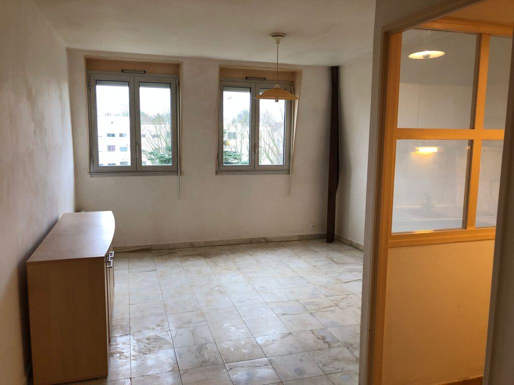 Appartement à louer 2 39.8m2 à Melun vignette-4