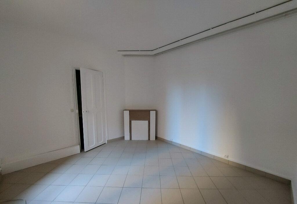 Appartement à louer 2 44.5m2 à Melun vignette-3