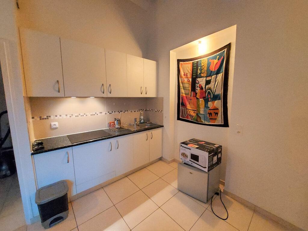 Appartement à louer 2 36.3m2 à Melun vignette-4