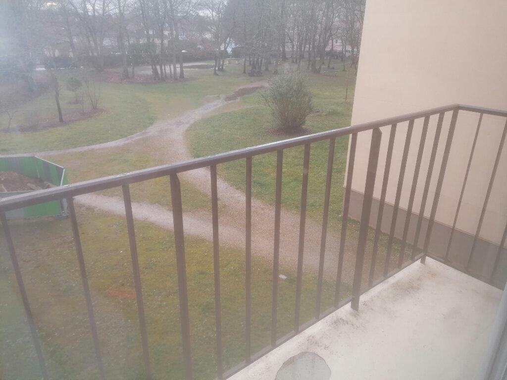 Appartement à louer 3 52.52m2 à La Rochette vignette-5