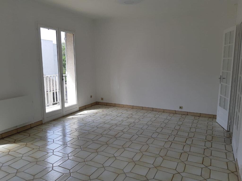 Appartement à louer 2 48.17m2 à Melun vignette-2