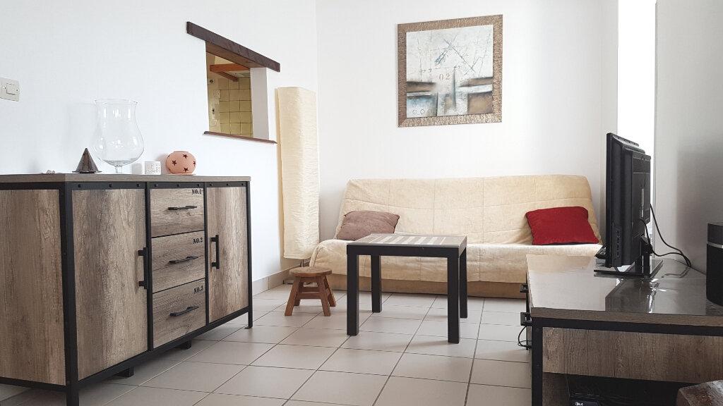 Maison à louer 3 61.89m2 à Fouju vignette-2