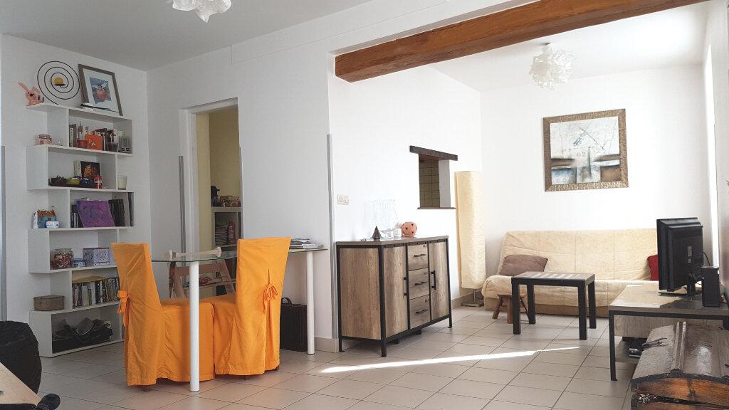 Maison à louer 3 61.89m2 à Fouju vignette-3