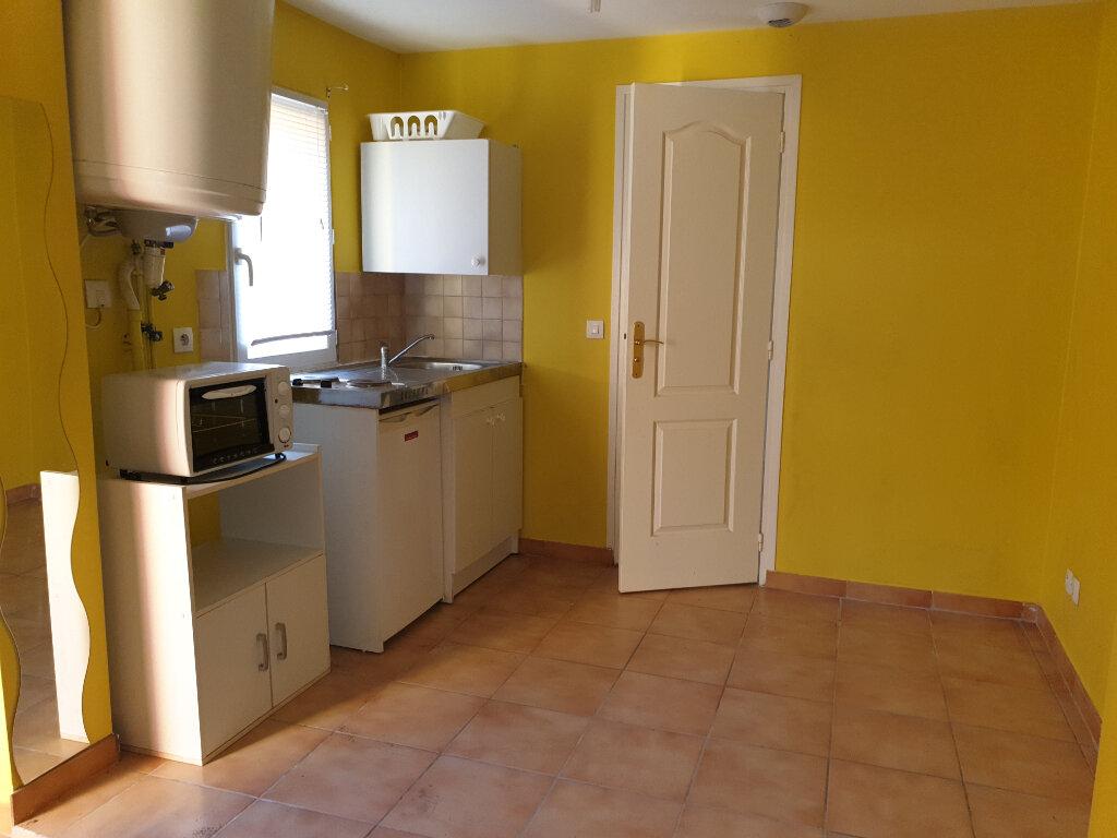 Appartement à louer 1 16.32m2 à Dammarie-les-Lys vignette-1