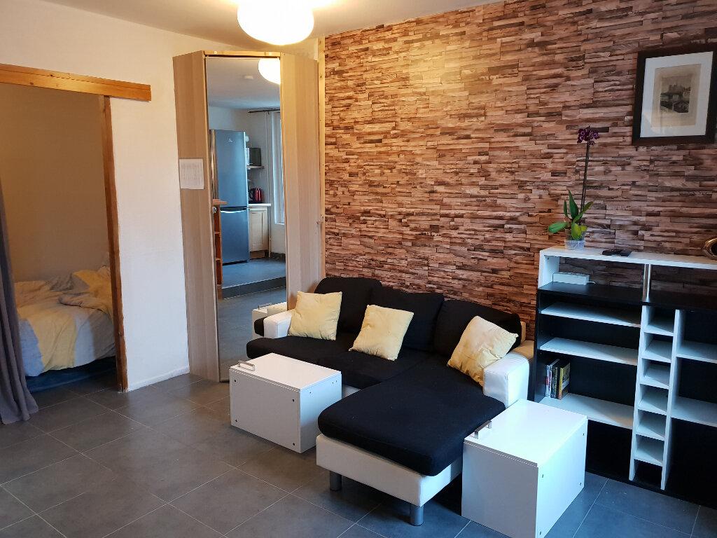 Appartement à louer 1 30.39m2 à Maincy vignette-2