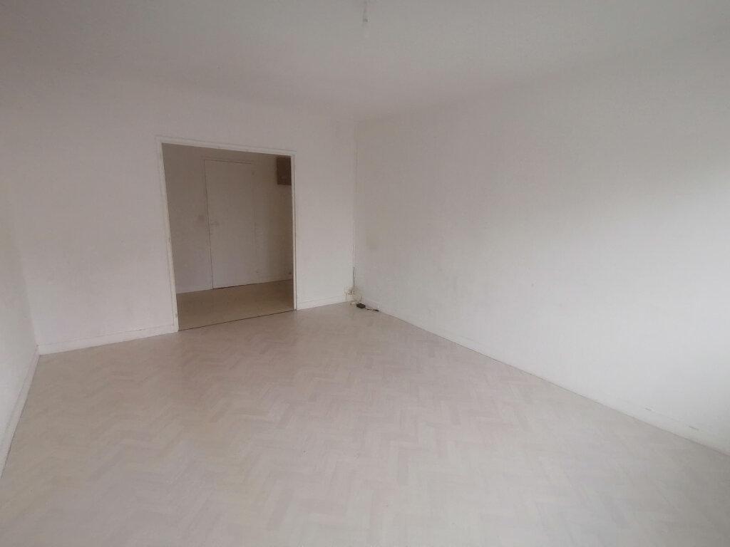 Appartement à louer 3 61.91m2 à Le Mée-sur-Seine vignette-2