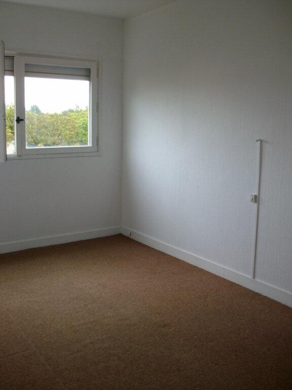 Appartement à louer 3 61.91m2 à Le Mée-sur-Seine vignette-4