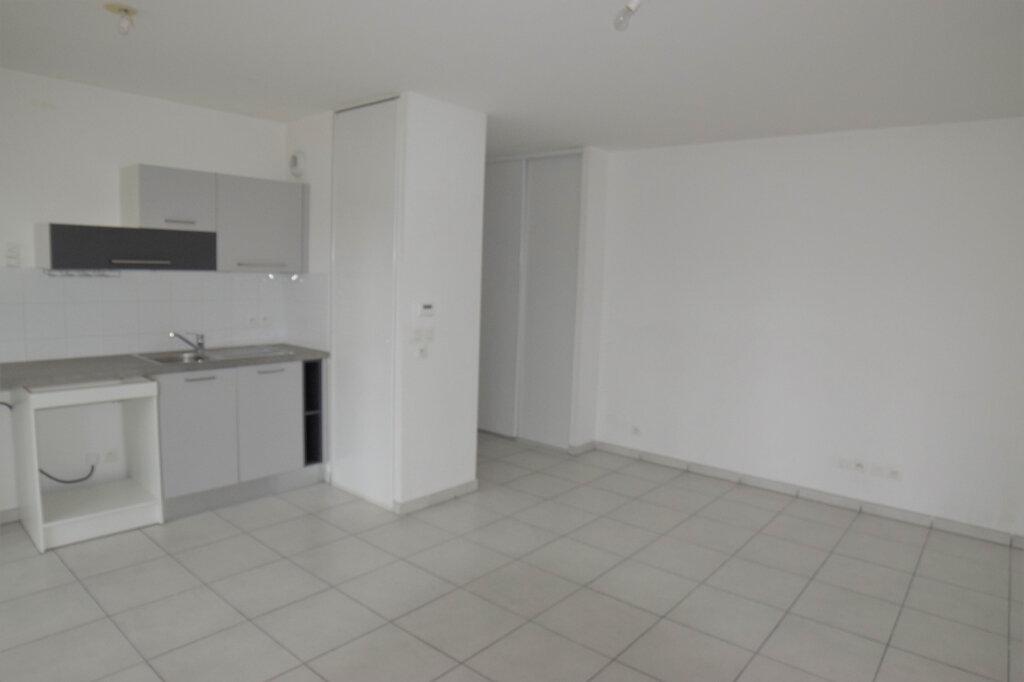 Appartement à louer 2 45m2 à Vétraz-Monthoux vignette-2