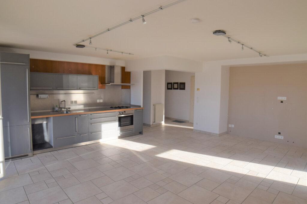 Appartement à louer 3 72m2 à Collonges-sous-Salève vignette-2